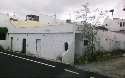 Venta de terreno urbano en Puerto del Carmen